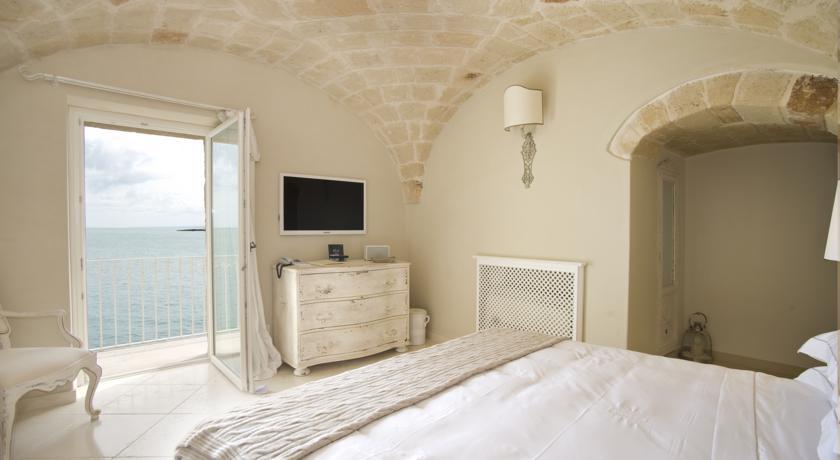 Beach Hotels Near Bari 03